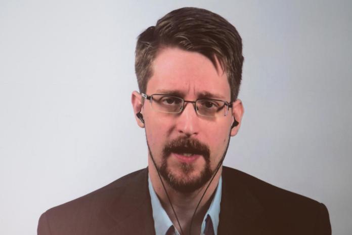 Edward Snowden calls ban spyware trade