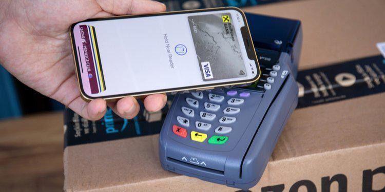 Researchers have found a way to make payments from locked iPhones with a VISA card